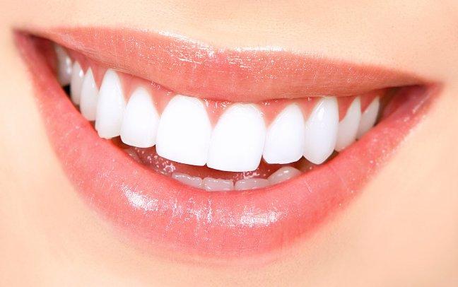 Αισθητική Οδοντιατρική αξίζουμε όλοι την αυτοπεποίθηση που μας προσφέρει ένα ωραίο, ζεστό χαμόγελο