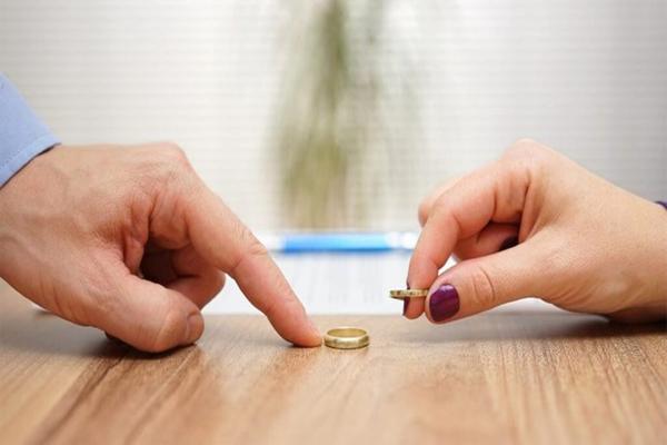 Κορωνοϊός: Αύξηση διαζυγίων λόγω καραντίνας σε νέα έρευνα