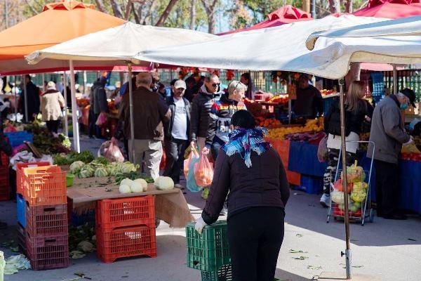 Κορωνοϊός : Κλειστές σήμερα οι λαϊκές αγορές