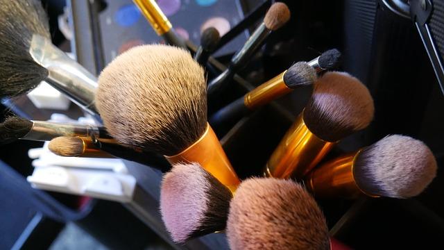 Πινέλα μακιγιάζ: πώς να τα καθαρίσεις σωστά