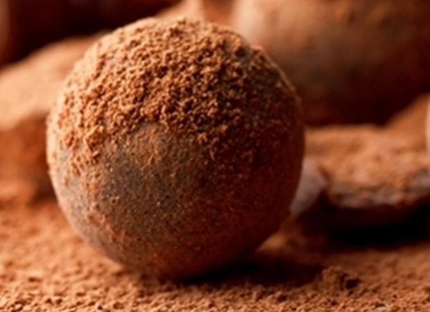 Σοκολατένια τρουφάκια με Γκανάς κανέλας