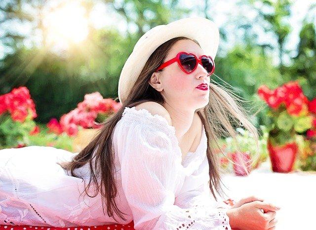 Γυαλιά ηλίου για ωραία μάτια και ακαταμάχητο βλέμμα
